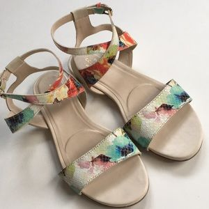 EUC Cole Haan leather sandals